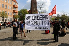 1.Mai 2013 Schneweide Antifa Aktion IMG_8801 (Thomas Rassloff) Tags: copyright berlin demo fotograf photographer thomas nazi protest picture pyramide rossi gegen aktion antifa sitzblockade schneweide 2013 rassloff