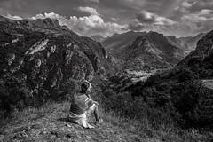 EN SUEOS (chuscordeiro) Tags: sueos somiedo montaa blancoynegro bw asturias espaa naturaleza vista nubes cielo sky paisaje canon 7d