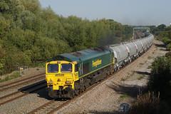 66605 13-09-16 (IanL2) Tags: freightliner class66 66605 mml cement trains railways emd
