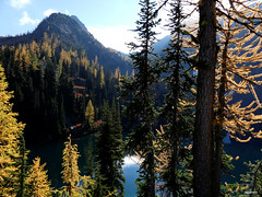 Blue Lake (Go4Hike) Tags: bluelake hiking hikingwashington washingtonhiking autumnhiking fallhiking nature landscape trail washingtontrails pacificnorthwesthiking pacificnorthwest northcascades northcascadeshiking mountains larch bluelaketrail highway20hiking septemberhiking fallhikinginwashington fallfoilage larchhikes washingtonlarchhikes
