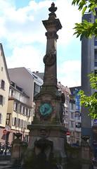 Fontaine Stoeber  Strasbourg (Zphyrios) Tags: strasbourg centre france stoeber fontaine square ecrivain poete nikon d7000 alsace capitale europe franais alsaciens oblisque