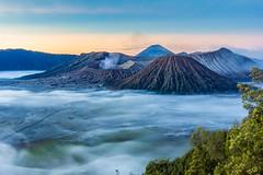 bromo (BigZoic) Tags: mount bromo volcano volcan java jawa indonesie indonesia landscape paysage sunrise soleil plaine canon eos 60d 1740