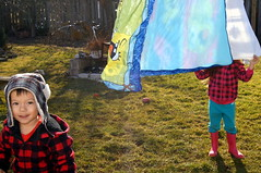 Dustin and Allanah (haunted snowfort) Tags: family playing easter children little young smiles niece nephew laundry dustin ones allanah weekened