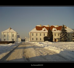 paths (JoannaRB2009) Tags: winter light sky sun snow cold nature architecture buildings landscape poland polska sunny palace wolbrz rememberthatmomentlevel1 rememberthatmomentlevel2 rememberthatmomentlevel3