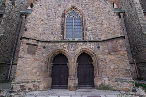 Wejście do północnej kruchty kościoła śś. Piotra i Pawła w Strzegomiu