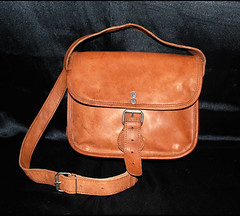 DSC_9825 (Global Art Interiors) Tags: travel brown leather bag shoe italian phone sale handmade cell goods diaper gifts fabric backpacks messenger bags acessories ellington