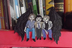 team free will on a shelf (syl is drawing) Tags: sam dean winchester cas supernatural castiel deanwinchester samwinchester