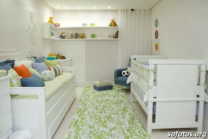quarto de bebe berço branco