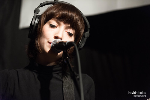 Daughter at KEXP - Seattle on 2013-05-16 - _DSC1222.NEF
