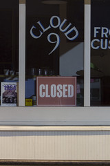 Cloud 9 CLOSED (Matthew Larrabee) Tags: lighting school cloud sign night dark store cool closed nine 9 creepy ironic aic frozencustard