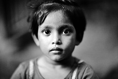KALI (N A Y E E M) Tags: portrait home girl child kali frontyard bangladesh lateafternoon chittagong rabiarahmanlane