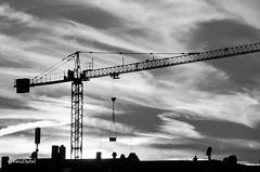SunSetKran (tina djebel) Tags: schwarzweis blackwhite sunset sundown sonnenuntergang kran crane city town stadt frankfurt cranes krne westhafen