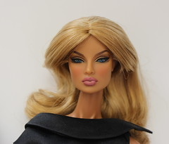 Going Public Eugenia (Minimodel) Tags: fashion royalty going public eugenia perrin