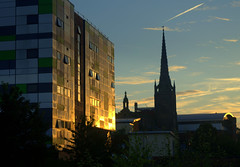 Daybreak in Preston (Tony Worrall) Tags: england northern uk update place location north visit area county attraction open stream tour country welovethenorth northwest unitedkingdom early city architecture building students study uclan university spire blocks sun sunshine light golden daybreak dawn stpeterschurch