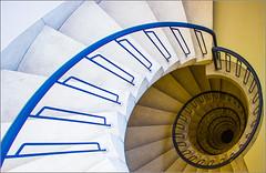 #25 - Fibonacci stairs (Herv Marchand) Tags: paris stairs 2016 52 challenge flickmettre lookingdown spirale fibonacci canoneos7d