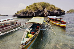 Boat (Faith_Crawford) Tags: sea beach nature water coral boats islands boat sand salt deep salty shore hundred land 100 shallow shores reefs nikond5100