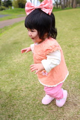 9 months old baby girl started to walk alone by herself (^_^) ( Spice (^_^)) Tags: portrait baby color cute girl face japan female canon hair geotagged asian person photography japanese photo infant asia flickr child picture human learning  bata development  anak loveofmylife  babae hija    babyhood     sanggol cutelittlegirl    9monthsoldbaby   rheinauratsuji babystandingalone babystartingtowalk  babystartedwalkingat9monthsold