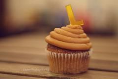 L (Fajer Alajmi) Tags: wood caramel cupcake letter