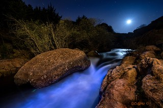 Planet Pedriza: Magic moonset in El Tranco.