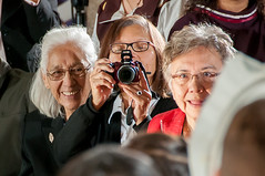 Guest at event taking a photo of AANDC photographer (Aboriginal Affairs and Northern Development Canada) Tags: canada window photo artwork culture parliament stainedglass firstnations apology inuit reconciliation houseofcommons mtis centreblock aboriginalpeoples indianresidentialschools aandc aboriginalaffairsandnortherndevelopmentcanada