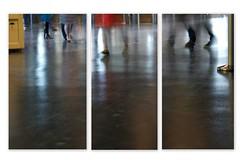 pendant que...... 1/4 (peu prsente...ailleurs !) Tags: marseille pieds flou mouvement visiteurs mucem