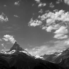 Matterhorn (ss9679) Tags: landscape switzerland matterhorn alps pennine blackandwhite bw monochrome zermatt swiss valais clouds mediumformat mittelformat mittelformatkamera hasselblad 500cm zeiss distagon 60mm f35 ilford delta delta100 iso100 kodakhc110 epson4180 montecervino montcervin cf 120 6x6