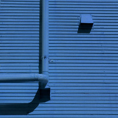 finding elbow room (msdonnalee) Tags: elbowpipe shadow minimalism minimalismus minimalismo lines blue blu blau bleu blaubleuazzurroazul azul plumbing    schafften ombre ombra sombra explore