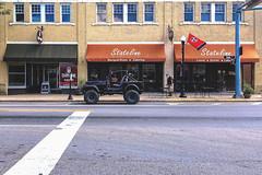 Stateline (ditch Mingo) Tags: ditchmingo stateline statestreet bristoltn jeep sony sonyrx100m3 rx100m3 compactcamera pointshoot southernstreets pocketstreet streetphotography street