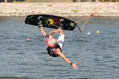 CFR2676 (Carlos F1) Tags: nikon d300 ocp canal olimpic castelldefels cable park sport deporte extremo xtreme water agua wakeboard tabla kneeboard rider feew wakeskate jump salto olimpiccablepark nosvemosenelagua fise transport transporte ro river channel boardsports surfing action sports barcelona spain surf wakeboarding kneeboarding