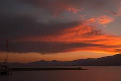 *** (6line8) Tags: red rouge ciel cloud longexposure expositionlongue bw110 lacdeneuchtel