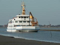 Baltrum1 Fhre (achatphoenix) Tags: baltrum baltrum1 fhre ferry ostfriesland ostfriesischeinseln eastfrisia eau eastfrisian island water wasser waddensea wattenmeer schiff seebderschiff watt
