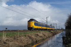 ICMm 4077 ([Publicer Transport] Ricardo Diepgrond) Tags: ns icmm koploper intercity materieel modern icmm3 4077 oosterblokker noord holland hoorn enkhuizen deventer