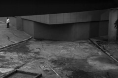 Terminal Bandeira, SP (Th. C. Photo) Tags: terminal bandeira centro downtown downtownsp sp street streetphotography streetphoto streetphotographysp photography fotografia rua fotografiaderua pretoebranco blackandwhite pb bw terminalbandeira