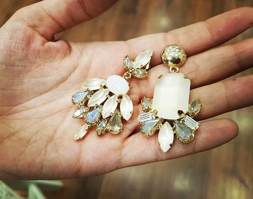 Buongiorno! #HANDMADE newcollection #fashionjewellery #orecchini #earrings #swarovsky #instagood #artigianale #leather #gold #honey #gioiello #jewels #like4like #followme #brand #showroom #aversa #personalize #store #napoli #shopping #roma #milano #Youniq