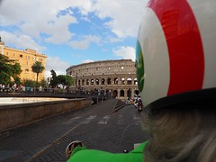 Dolce vita in Roma - Discovering the Coliseum on a Vespa (WhataWonderfullWorld!) Tags: vespa coliseum roma italy scooter