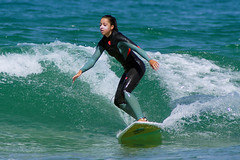 improving (Curufinwe - David B.) Tags: beach sea mer mimizan landes aquitaine france sony a77 a77v sonyalpha77 sonydslta77v 400mm sigma plage waves wave surf surfing wetsuit girl girls woman feminine surfer surfgirl surfergirl surfcamp