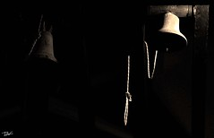 Campanes (Pau Pumarola) Tags: campanes campanas cloches bells glocken monocromtic monochromatique monocromtico monochromatic monochromatische dubrovnik corda cuerda corde rope seil
