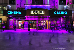 (Happy?) Feet at the Empire (JdJ Photography (Aardewerk)) Tags: greatbritain england people cinema gambling london film feet westminster dark movie walking square islands evening britishisles unitedkingdom britain casino motionblur empire leicestersquare ghosts avond lopen plein westend spoken engeland cityoflondon donker bioscoop londen mensen voeten eilanden greaterlondon gokken bewegingsonscherpte entertainmentarea geesten verenigdkoninkrijk grootbritanni southeasternengland britseeilanden zuidoostengeland uitgaansgebied