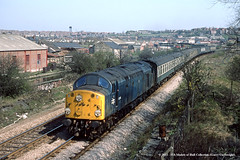 26/04/1984 - Swinton Central, South Yorkshire. (53A Models) Tags: train diesel railway britishrail southyorkshire class40 40118 parcelstrain newspapertrain swintoncentral