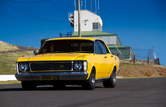 Futura 302 (microraptor) Tags: panorama ford 1969 yellow muscle mount falcon bathurst v8 futura 302 xy xw
