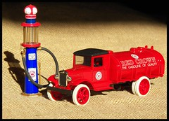 Red Crown (Dusty_73) Tags: red scale 1931 toy collection pump nostalgia 25 oil crown hawkeye collectible visible standard 31 34 gearbox diecast ertl petroliana
