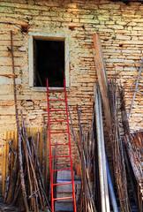 The red ladder (Robyn Hooz) Tags: red brick muro ex wall rural canon eos sigma campagna verona scala ladder 1020 molina veneto rossa mattoni rurale hsm 550d