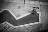 (0rlando Ferreira) Tags: street blackandwhite bw portugal monochrome mono streetphotography pb porto nocrop pretoebranco fotografiaderua x100 fujifilmx100