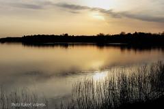 Un matin de printemps sur le lac.../ Sunrise on the lake in spring.. (Pentax_clic) Tags: morning lake sunrise soleil spring pentax quebec lac printemps lever matin kx vaudreuil lacdesdeuxmontagnes robertwarren