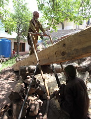 Saw pit with experts cutting out timber planks, Kanoor village, Kashmir (Paul Snook) Tags: kashmir ajk woodcutter woodenhouses kanoor neelumvalley