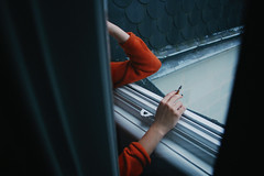 (Maéva Lecoq) Tags: photographie photography canon 7d maéva lecoq window cigarette blue warm cold contraste grain artlibres