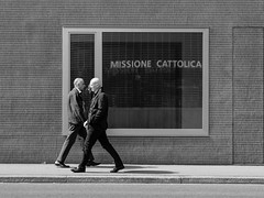 In and Out (pxlline) Tags: missionary zrich streetphotography candid dasischzri switzerland ch