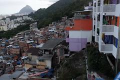 Favelas (Julien Falissard) Tags: rio de janeiro brsil brasil copacabana beach plage voyage trip favelas ville city statue status corcovado christ redemptor redempteur rue view street ocan montagne travel tour du monde symbole