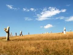 Valle des Saints (Noemie.C Photo) Tags: valle champs field saint san statuts big enormes gantes ciel cloud nuages sky blue bleu granite herbe grass