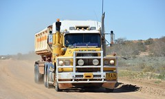 Mack Valueliner (quarterdeck888) Tags: valueliner mack sidetipper trucks transport roadtransport haulage lorry class8 tractortrailer overtheroad heavyhaulage australianroadtransport nikon d7100 semitrailer frosty quarterdeck flickr jerilderietrucks jerilderietruckphotos truckphotos australiantruckphotos expressfreight freight roadfreight truck